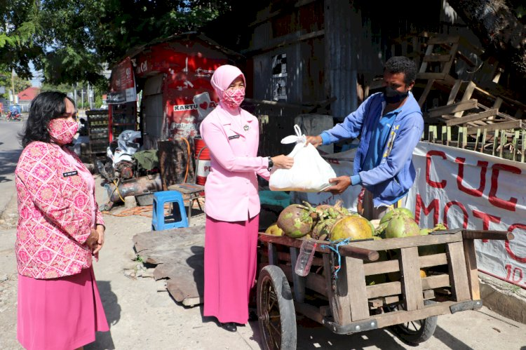 HUT YKB ke-40, Bhayangkari Daerah NTT Gelar Baksos Peduli Covid 19