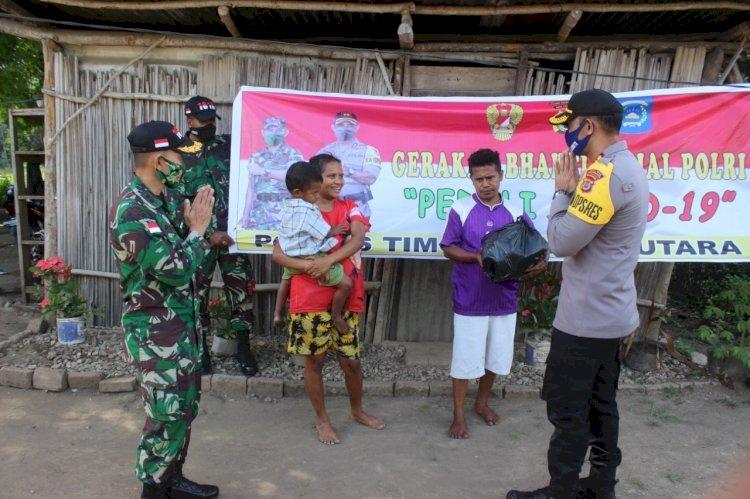 Sinergitas TNI-Polri Salurkan Bantuan Sosial di Sembilan Kelurahan Kota Kefamenanu