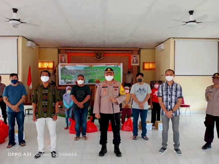 Polres Peduli, Kembali Polres Rote Ndao Salurkan Bantuan Kepada Masyarakat Terdampak Covid – 19