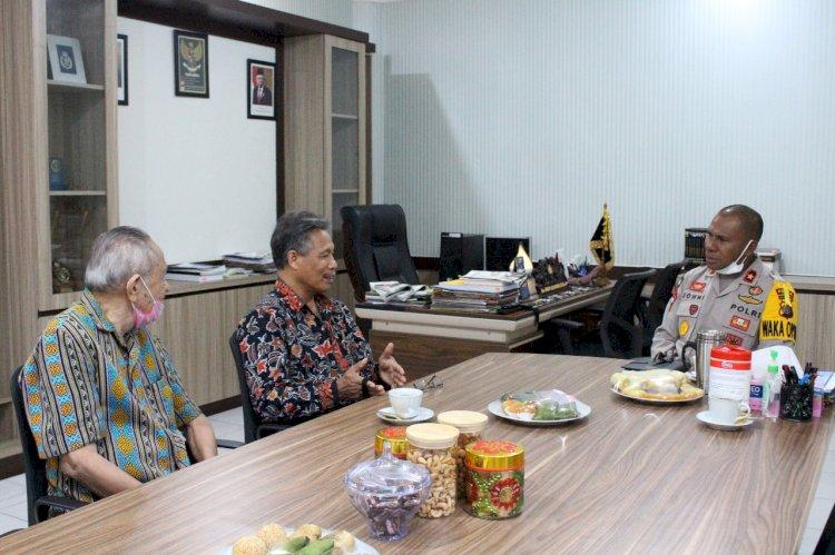 Wakapolda NTT Terima Audiens Ketua IKAS dan Tua Adat Sumba