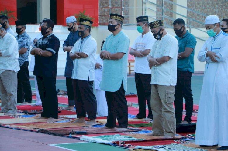 Hari Raya Idul Adha 1441 H, Kapolda NTT Ikut Ibadah Sholat Ied