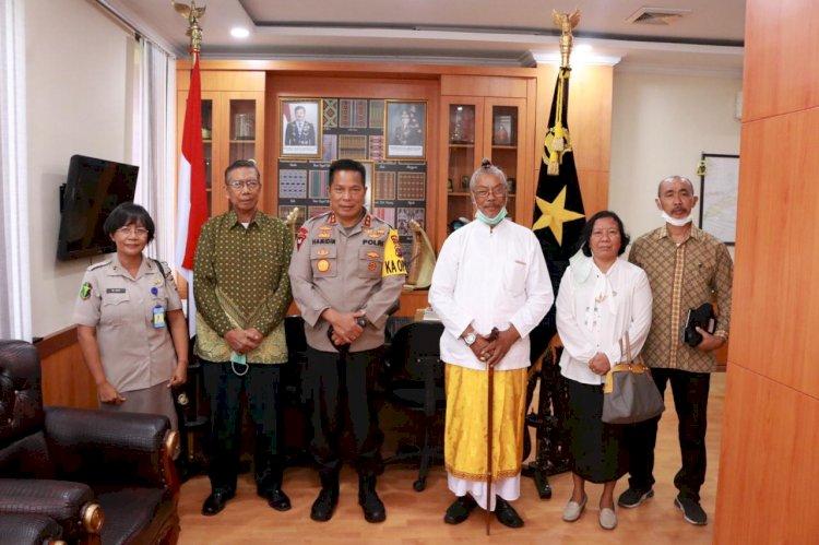 Jalin Silaturahmi dengan Tokoh Agama, Kapolda NTT Menerima Kunjungan dari Ketua Beserta Pengurus PHDI NTT