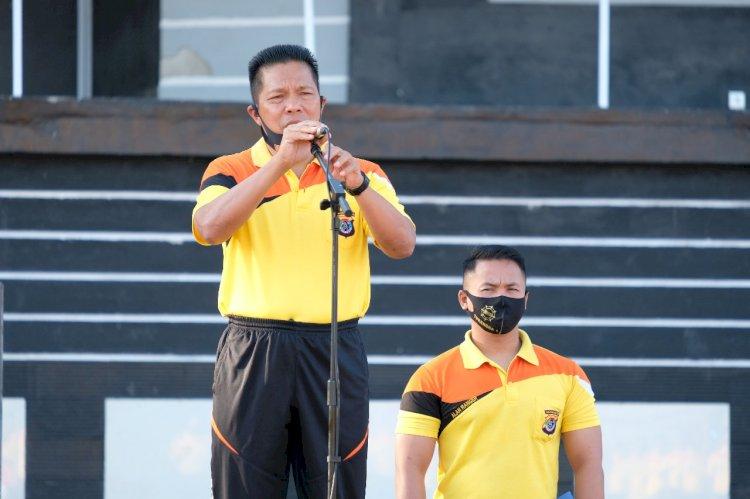 Pimpin Olahraga Pagi, Kapolda NTT Minta Anggota Polri Menjaga Kesehatan Dengan  Meningkatkan Kegiatan Olahraga