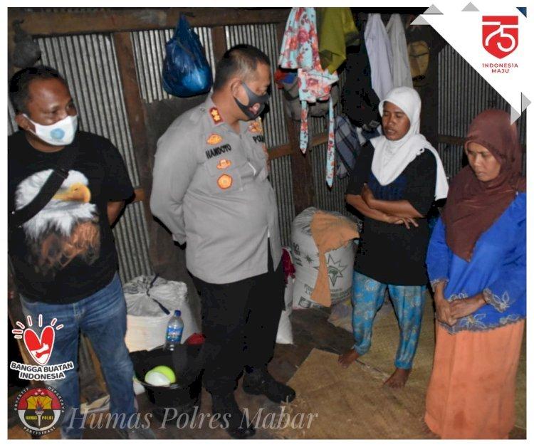 Kapolres Mabar Sambangi Rumah Bocah Cilik Tulang Punggung Keluarga