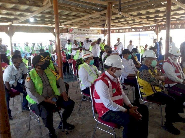 Kapolres Sikka Pimpin Pengamanan Kunjungan Menteri PUPR Di Bendungan Napun Gete