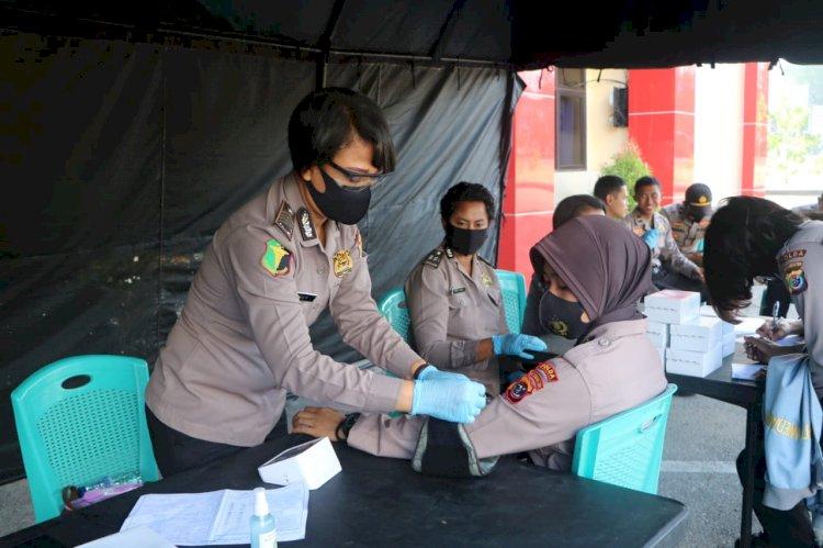 Dalam Rangka Hari Polwan ke-72, Polwan Polda NTT Gelar Donor Darah