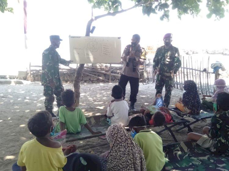Brigpol Marsel B.W. Henukh Berikan Bimbingan Rutin Tentang Wasasan Kebangsaan Kepada Anak-Anak Pesisir Pantai Oeseli
