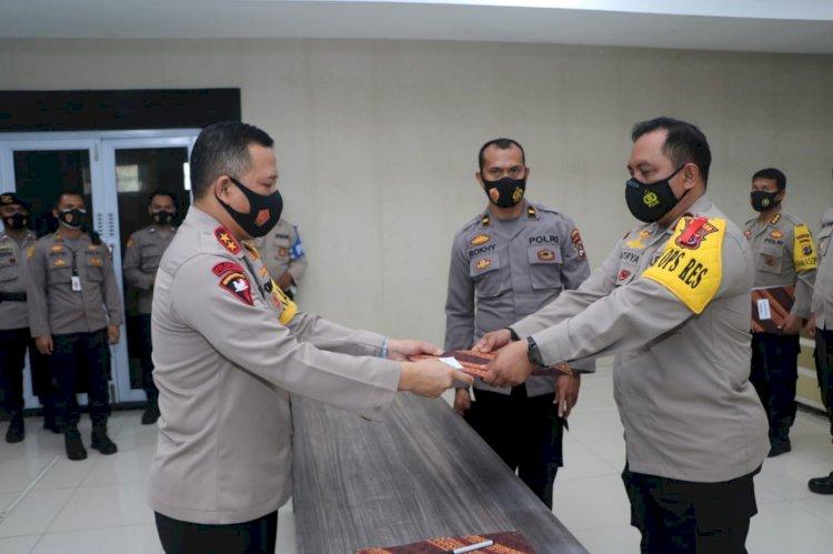 Penyerahan DIPA/RKA-KL T.A. 2021 dan Penandatangan Pakta Integritas, Kapolda NTT Ingatkan Kasatker Harus Pahami Mekanisme Penggunaan Anggaran