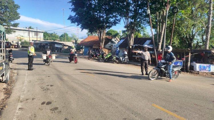 Gatur Lantas Pagi, Personil Polres TTS Imbau Pengguna Jalan  Patuhi Protokol Kesehatan