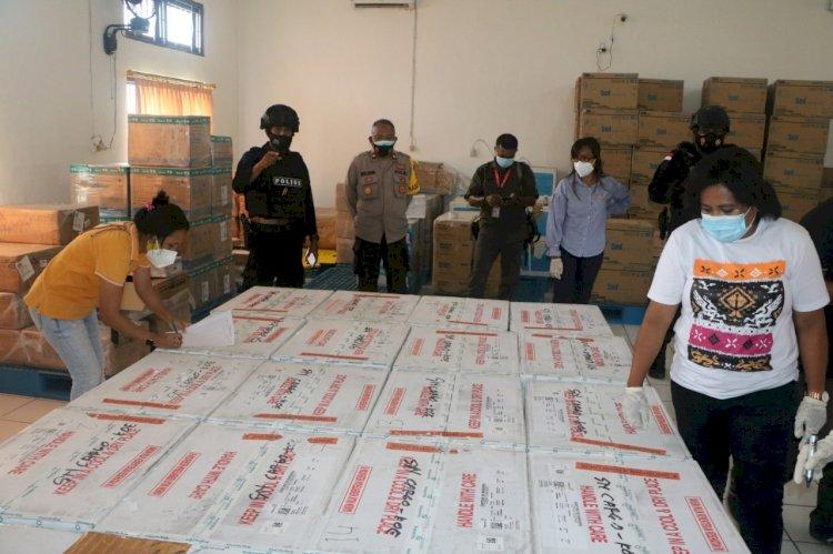 Aparat Gabungan TNI-Polri NTT Kawal Ketat Kedatangan Vaksin Tahap II