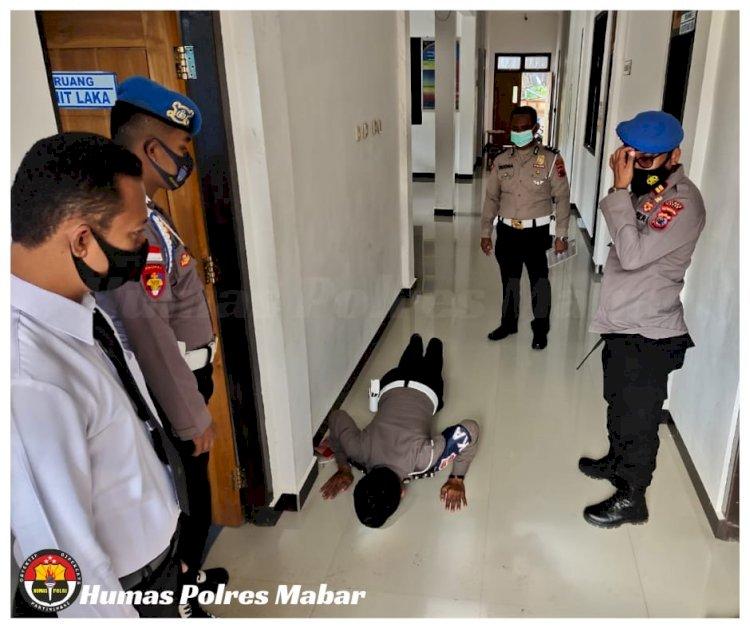 Cegah Covid-19, Propam Sidak Pemakaian Masker di Fasilitas Pelayanan Polres Manggarai Barat