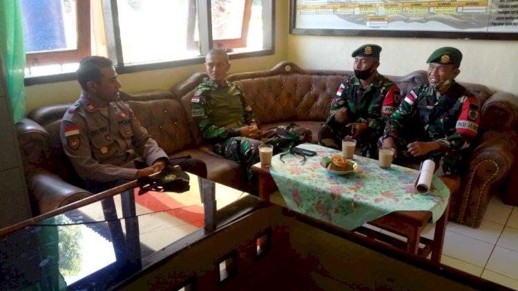 Kapolsek Miomafo Barat Sambut Silahturahmi Perdana Danyon Armet 3/6 Kostrad Pamtas RI-RDTL
