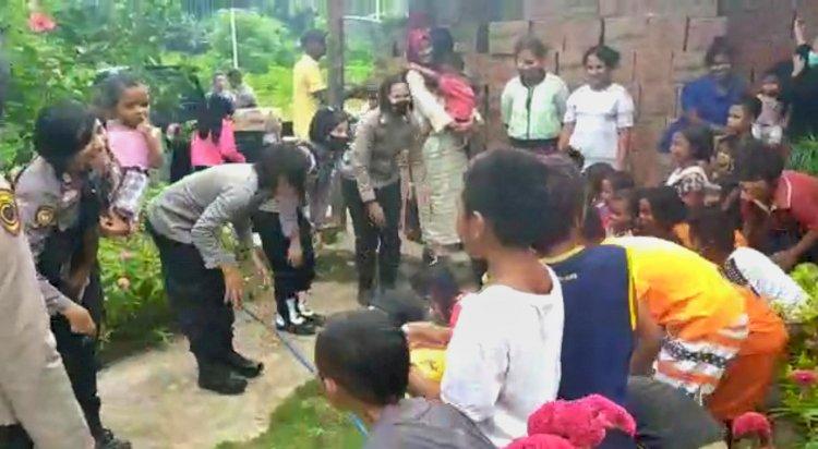 Polwan Polres Flotim Beri Trauma Healing Bagi Anak-Anak Korban Banjir di Adonara