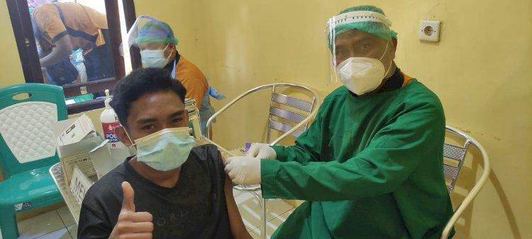 Tingkatkan Herd Immunity, Biddokkes Polda NTT Kembali Gelar Vaksinasi Massal