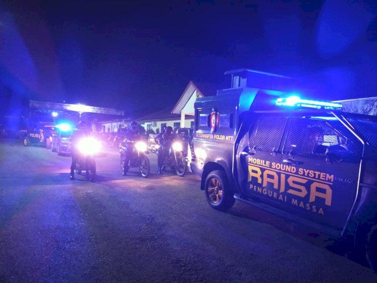 Ditsamapta Polda NTT Berikan Teguran Tegas Namun Humanis saat Lakukan Patroli PPKM level IV di Kota Kupang