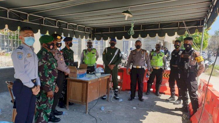 PPKM Level IV Kota Kupang, Ditlantas Polda NTT Siagakan Personel Bantu Penyekatan di Pos Bimoku
