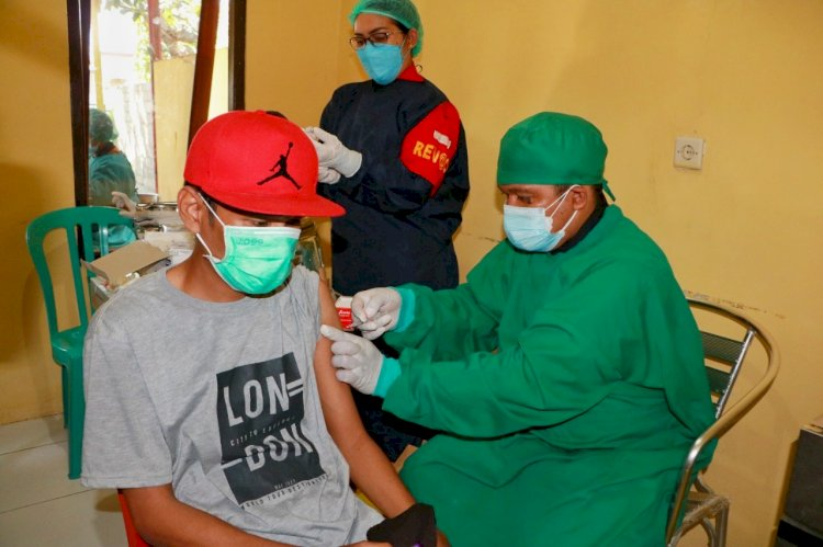 Terapkan Prokes, Biddokkes Polda Gelar Vaksinasi Tahap II di Klinik Turangga