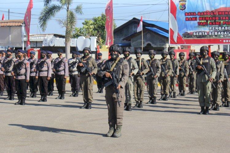 Dansat Brimob Polda NTT Lepas Puluhan Personel BKO Pengamanan Perbatasan RI-RDTL