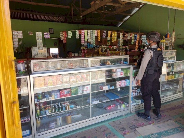 Patroli Imbau Prokes 5 M, Personel Ditsamapta Polda NTT Sasar Para Pedagang di Kota Kupang