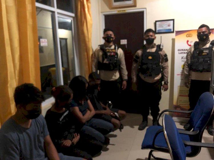 Patroli Malam di Kota Kupang, Personel Ditsamapta Polda NTT Amankan Empat Orang Pelaku  Prostitusi Online