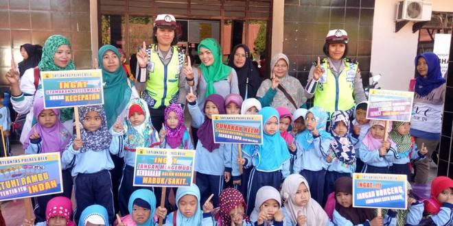 Lebih dekat dengan Polisi, TK RA Hidayatullah Atambua Kunjungi Polres Belu