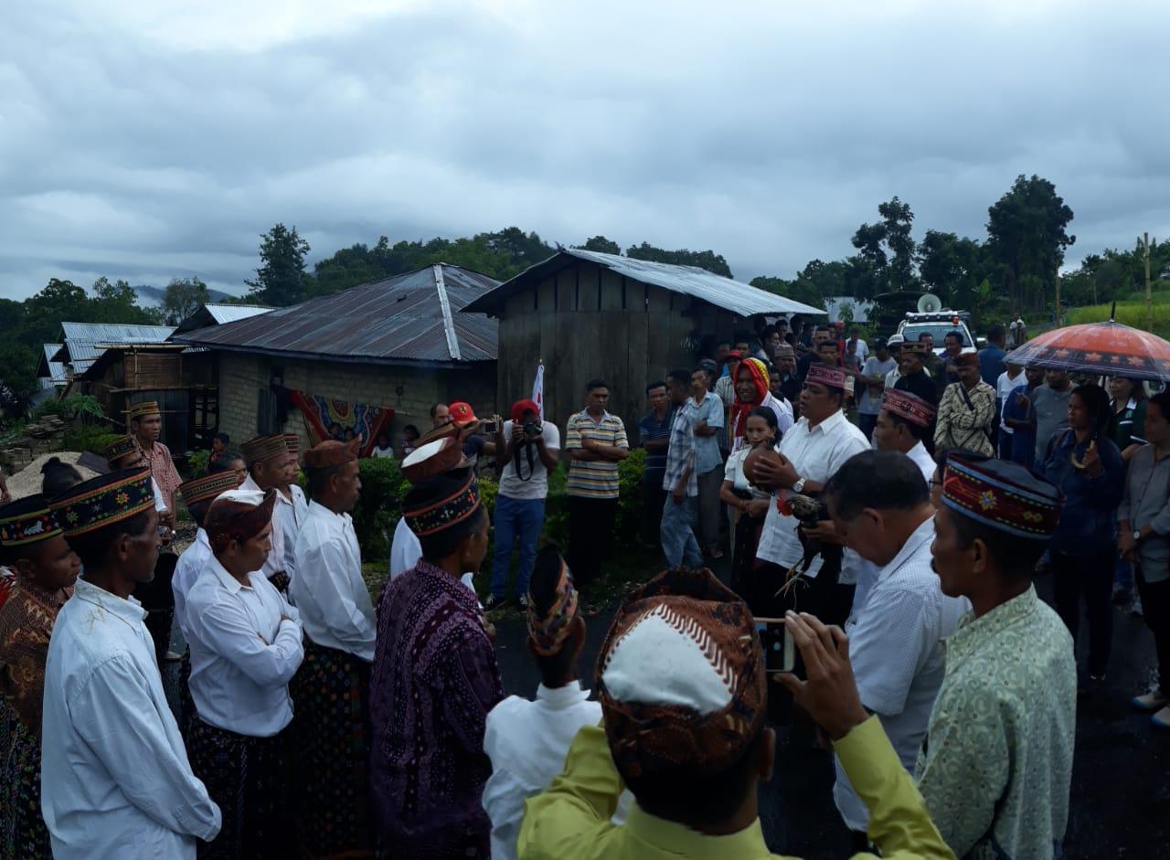 Kapolsubsektor Benteng Jawa Bersama Personil Polsek Lamba Leda Melaksanakan Pengamanan Kampanye Paslon Bupati Dan Wakil Bupati Manggarai Timur Dari Paket Tabir