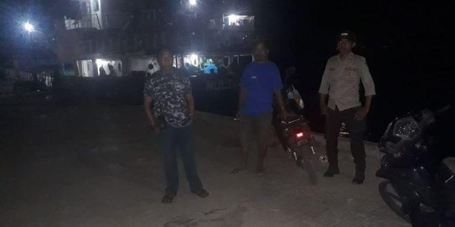 Beri Rasa Aman, Personil KP3 Laut Waikelo Patroli Malam