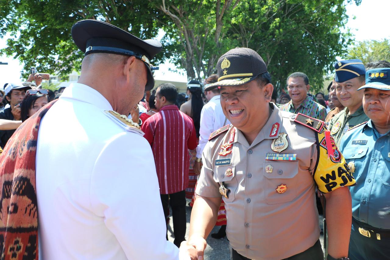 Wakapolda NTT jemput kedatangan Gubernur NTT di bandara Eltari Kupang