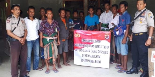 Ciptakan Pemilu Aman, Damai dan Sejuk Ini Yang Dilakukan Oleh Anggota Polsek Lamboya