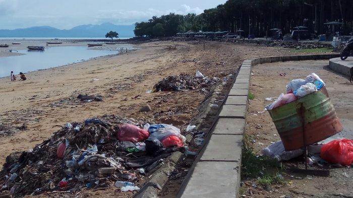 Personel Polda NTT Lakukan Aksi Perangi Sampah