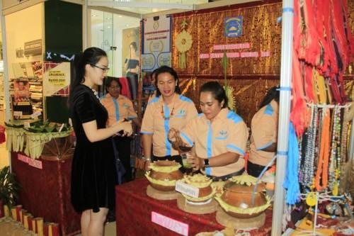 UMKM Teratai Bhayangkari Cabang Satbrimobda NTT Hiasi Millenial Expo