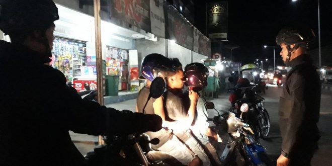 Tiga Pemuda Diberi Sanksi Oleh Anggota Raimas Polres TTU Akibat Kedapatan Melanggar Lalulintas
