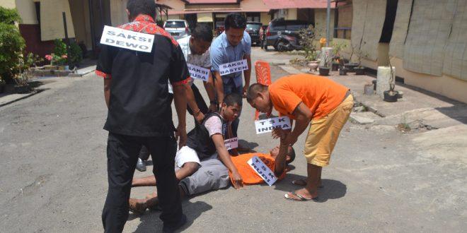Satreskrim Polres Ende Gelar Rekontruksi Kasus Pengeroyokan Dan Pembunuhan