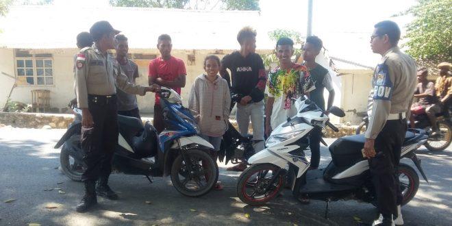 Imbau Anggota Polsek Raihat Pada Tukang Ojek di Dusun Haekesak