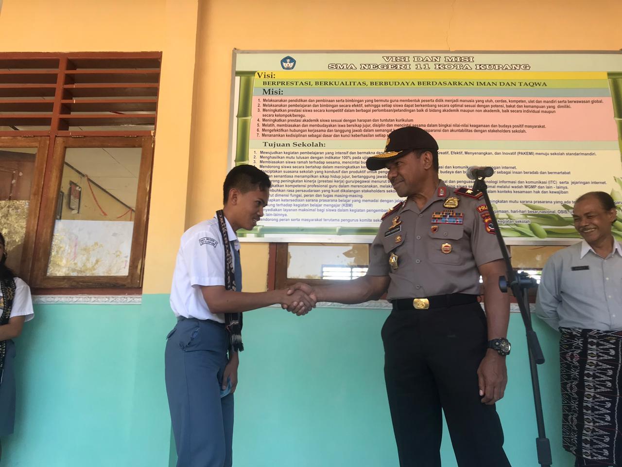 Wakapolda NTT Lakukan Safari Kamtibmas di SMA 11 Kota Kupang