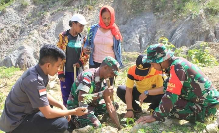 Polres Belu Bersama TNI dan Instansi Terkait, Kembali Gerakan Penghijauan di Wilayah Yang Rawan Longsor dan Banjir