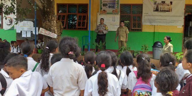 Bhabinkamtibmas Sampaikan Hal Ini Saat Beri Imbauan Pada Pelajar SD Inpres Daleng